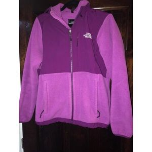 Women's size medium north face jacket with hood